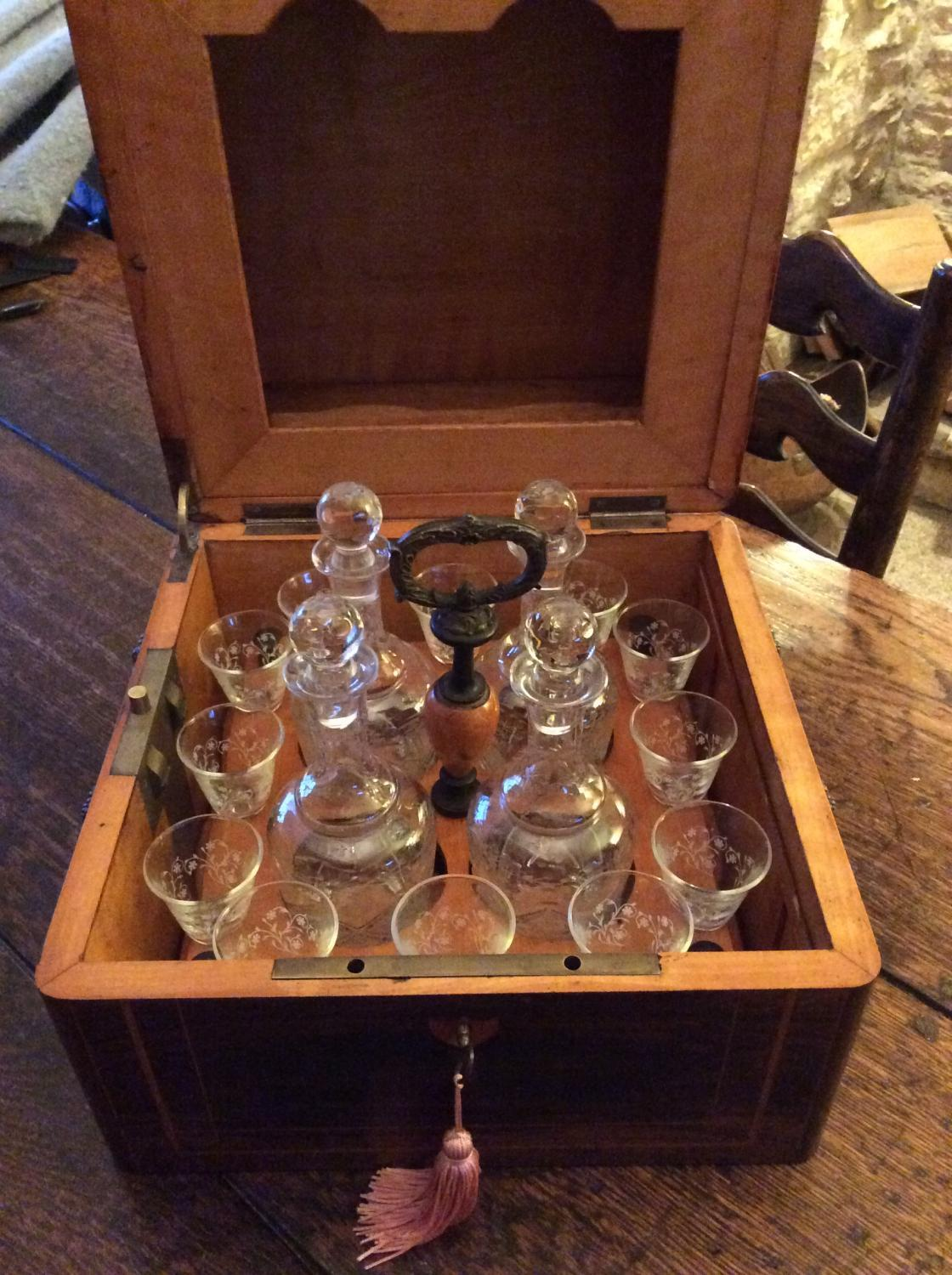French Inlaid decanter box