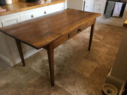 French farmhouse kitchen table