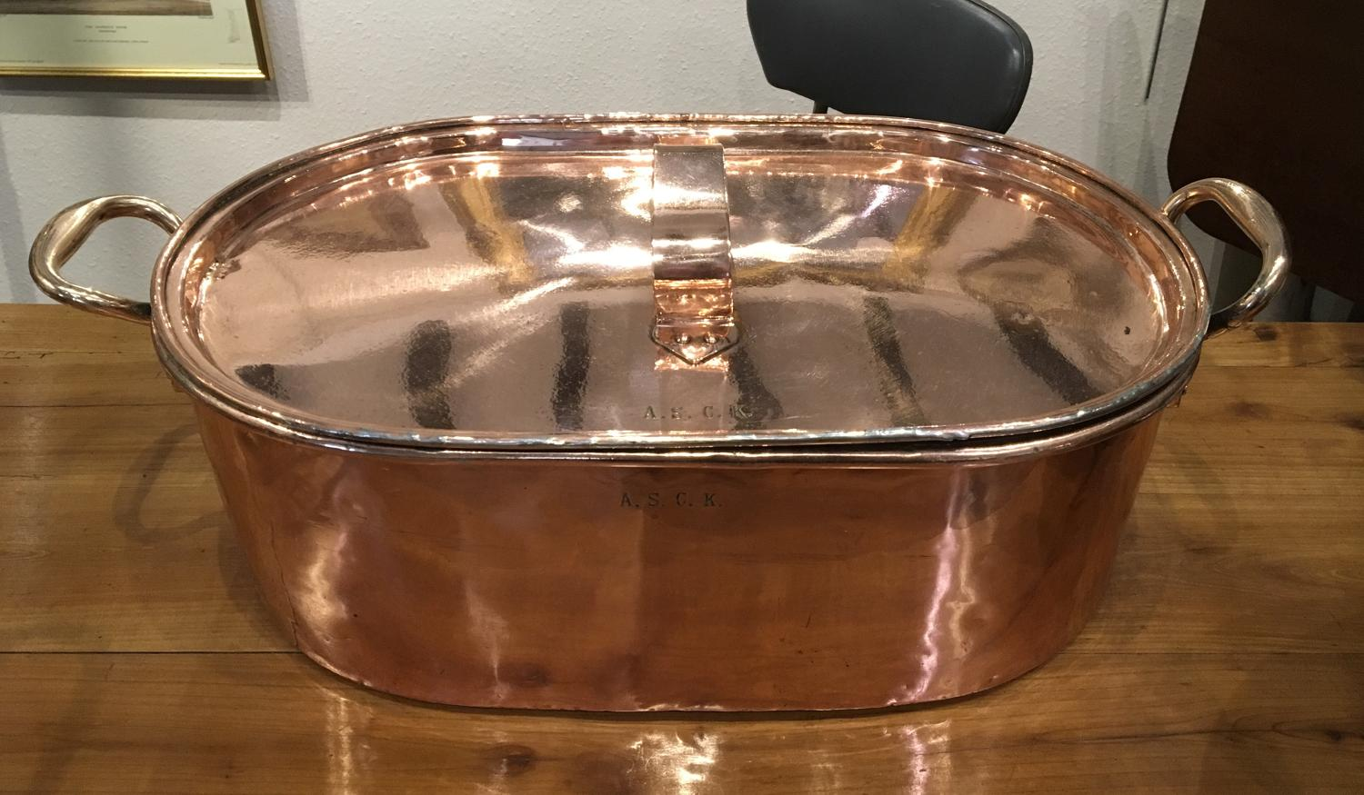 Large Victorian cooking pan and lid