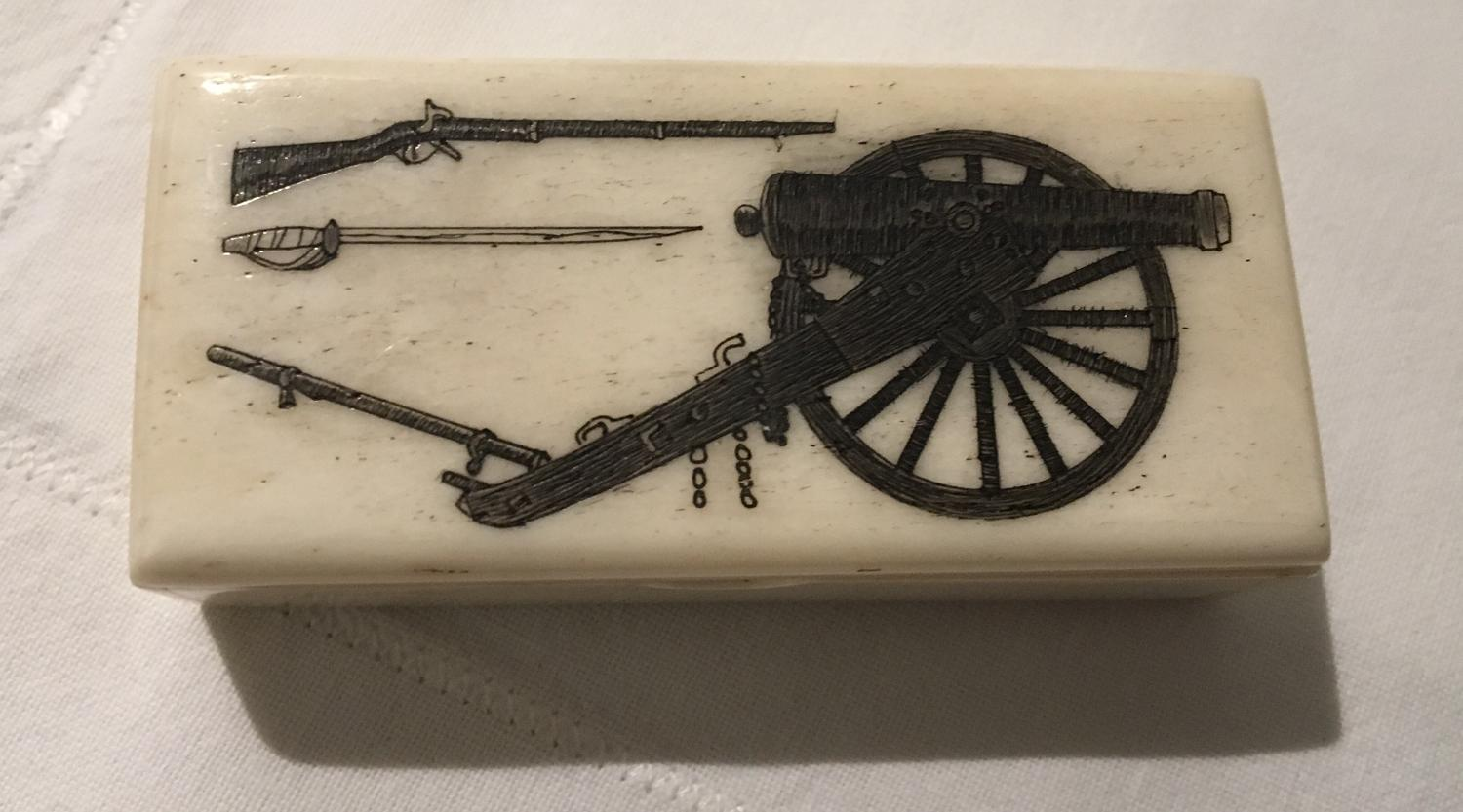 Prisoner of War bone snuff box
