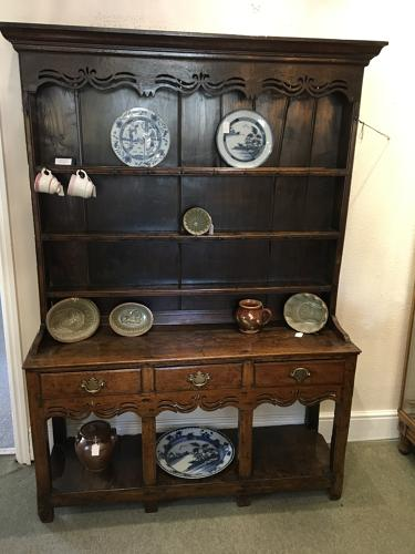 Late 18th Century Oak Pot Board Dresser of small proportions