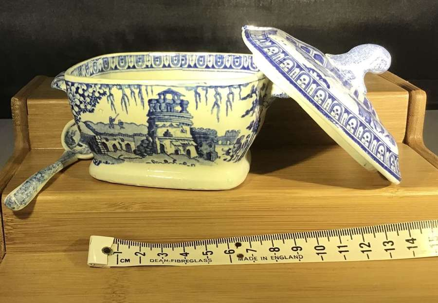 Miniature Child's Tureen and Ladle, Monopteros